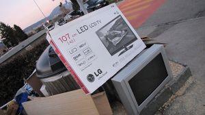 1024px-Obsolescence_programmée_des_télévisions